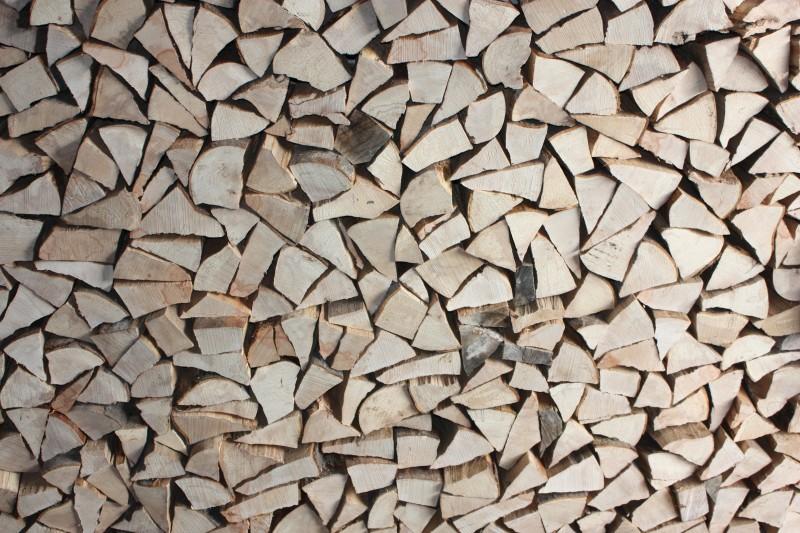Askebrænde er billigt og godt brænde
