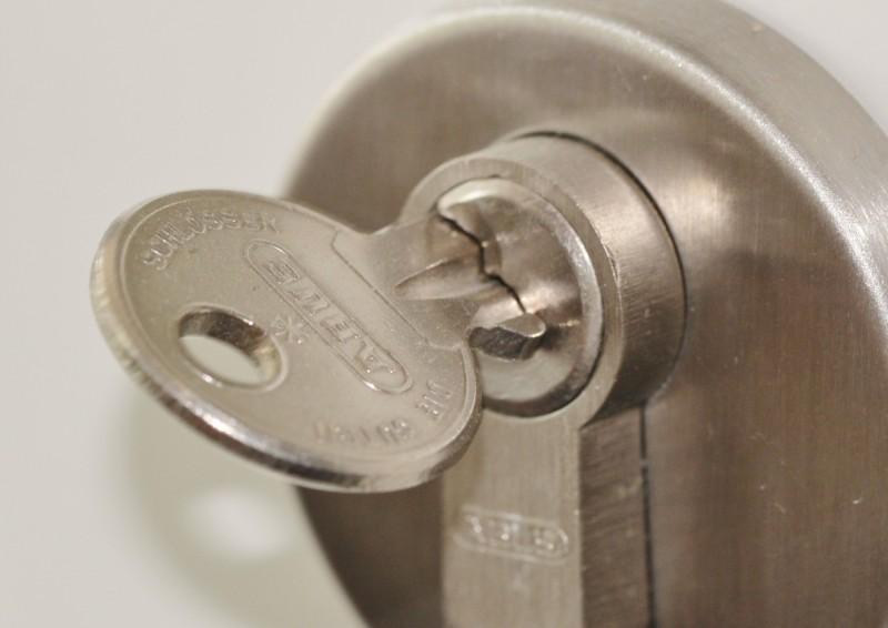Vælg den sikreste låsecylinder til din dør